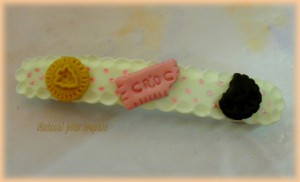 Barrette biscuits boutons